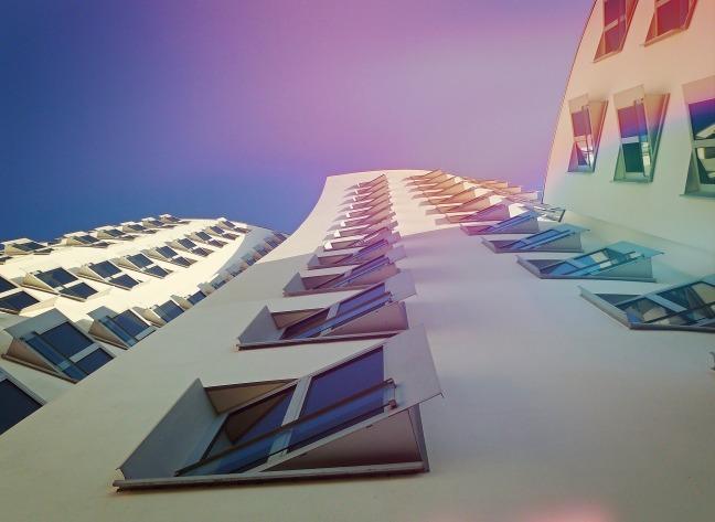 skyscraper-1536995_1920